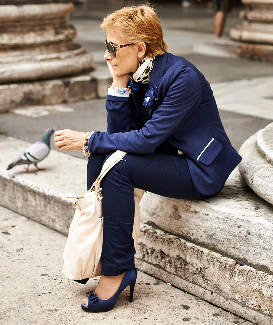 Rome, Woman in blue suit